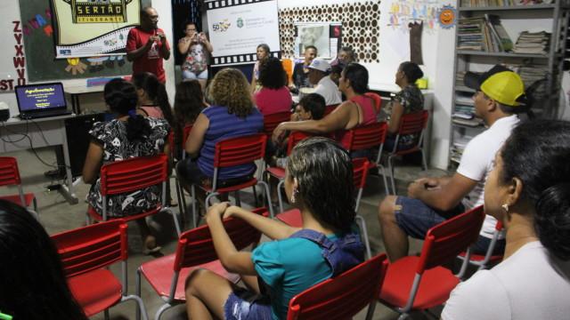"""Neste dia 11 de julho, o Cineclube Sertão Itinerante realizou mais uma exibição, desta vez no Assentamento Crisantemo, na Escola da Comunidade. O documentário em exibição foi """"Agroflorestação – Outra […]"""